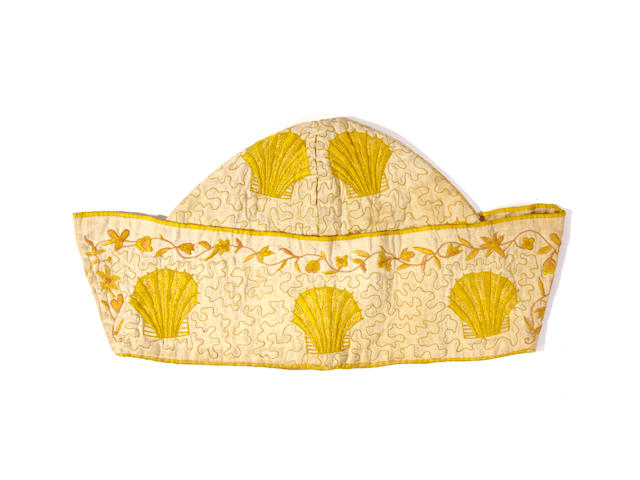 An early 18th century gentleman's chinoiserie style nightcap