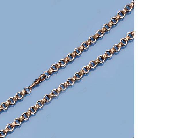 A 9ct gold fancy-link chain (3)