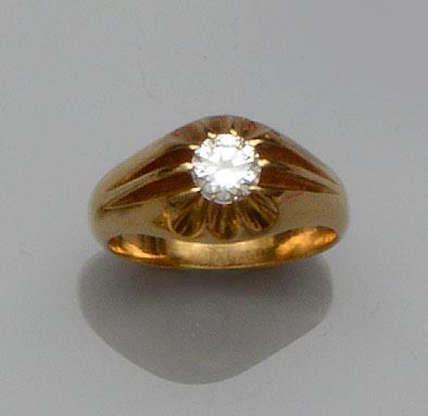 A gentleman's diamond single stone ring