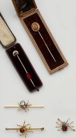 A collection of vari gem-set stickpins and bar brooches (5)