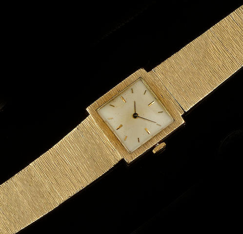 An 18ct gold wristwatch