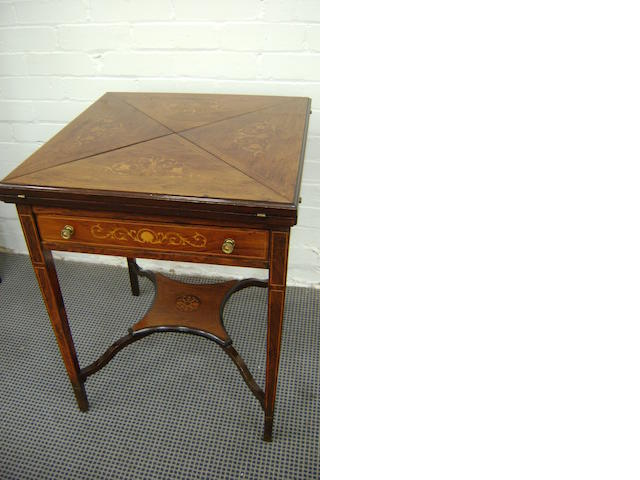 Edwardian Rosewood 'envelope' top card table