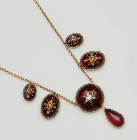 A Victorian garnet and diamond necklace