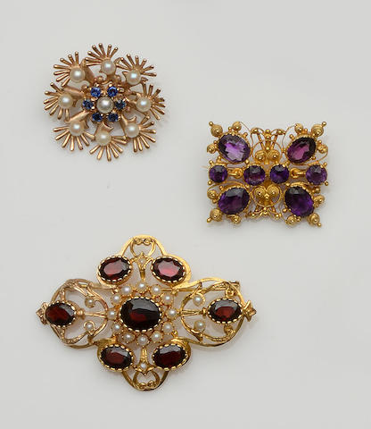 Three vari gem-set brooches (3)