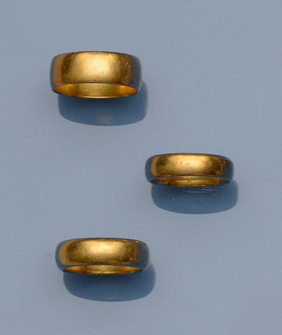A collection of wedding rings (5)