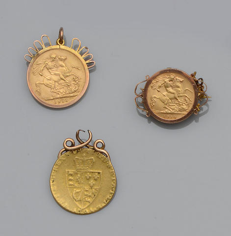 A small collection of coin jewellery (6)