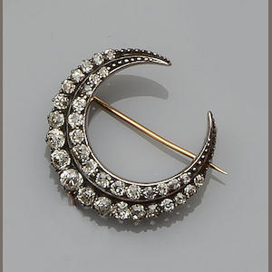 A late Victorian diamond crescent brooch