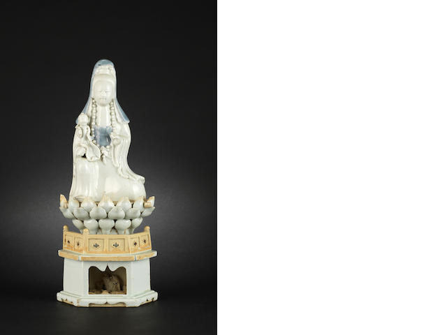 An underglaze blue decorated, blanc-de-chine style figure of Guanyin 18th or 19th century