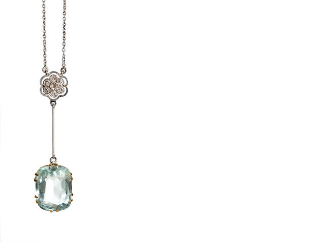 An Edwardian aquamarine and diamond pendant necklace