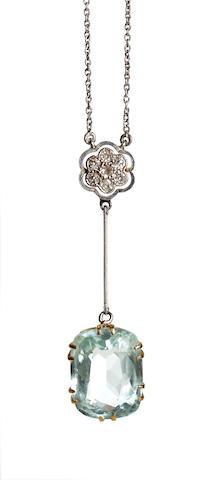 An Edwardian aquamarine and diamond pendant necklace