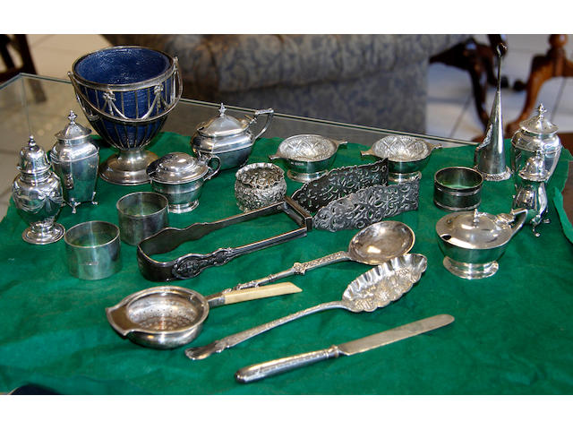 A quantity of part-condiment sets,