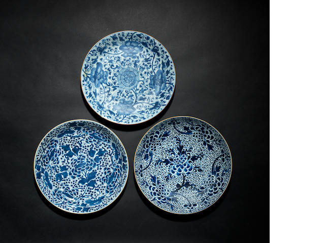 Three large blue and white dishes Qing Dynasty