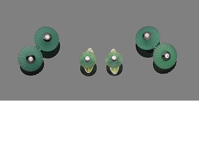 A gentleman's chrysoprase, onyx and diamond dress set French marks,  (3)