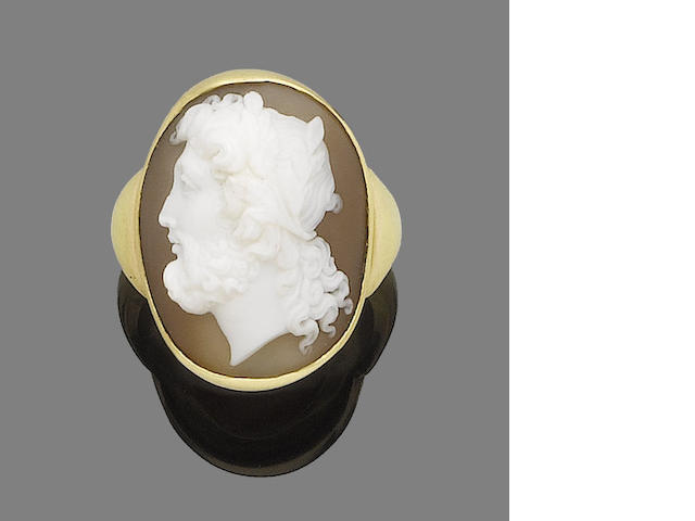 A cameo ring