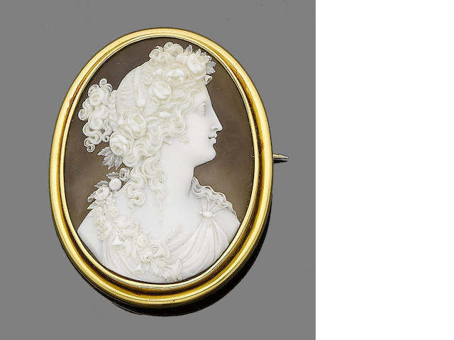 A late 19th century shell cameo brooch