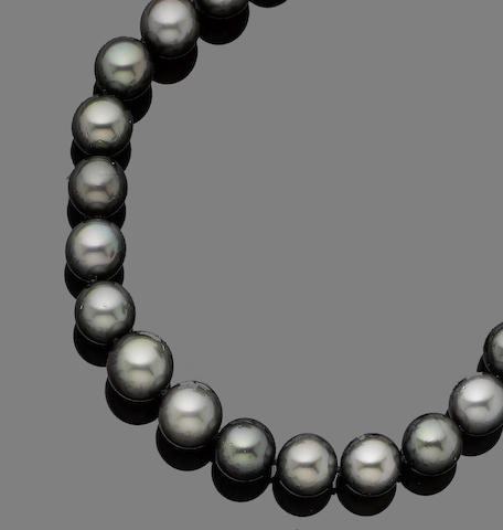 A cultured pearl necklace and a pair of earrings (2) (partially illustrated)