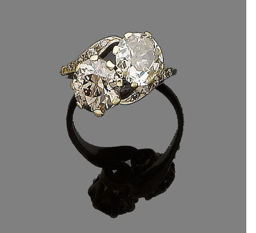 A diamond crossover ring,