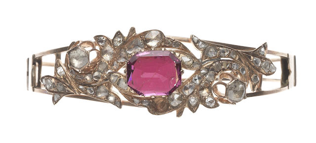 A spinel and diamond bangle (illustrated above)