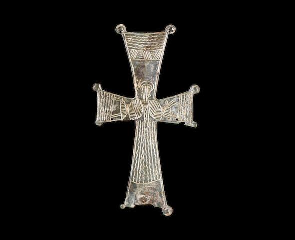 A Byzantine bronze votive cross
