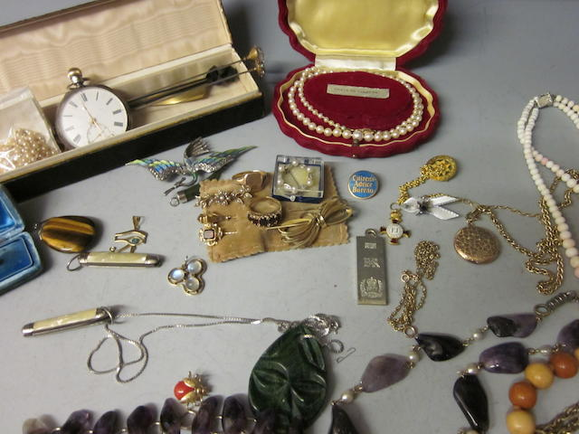 A 9 carat gold five stone garnet ring,