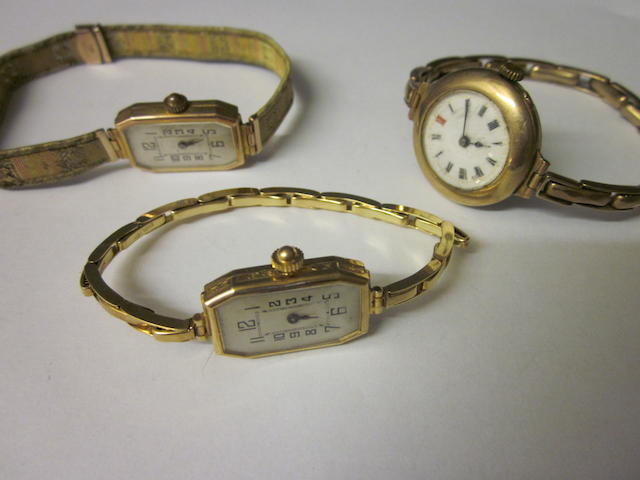 A 9 carat gold bracelet watch, (3)