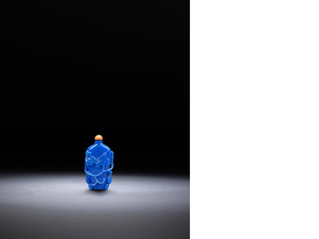 A blue glass 'gourds' snuff bottle Qing dynasty