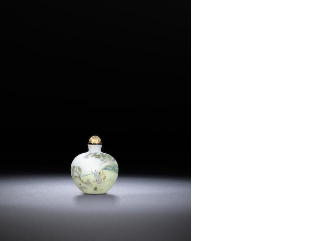 An inscribed famille-rose enamelled glass 'figures in landscape' snuff bottle Guyue xuan mark, attributed to Yangzhou, 1775-1799