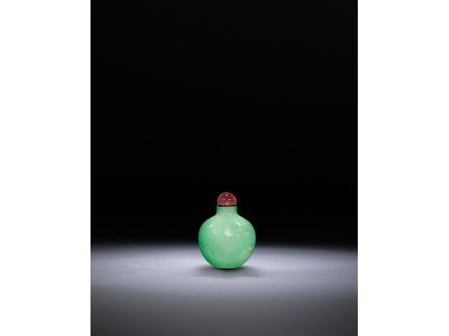 An apple green jadeite snuff bottle Qing dynasty, 1800-1900