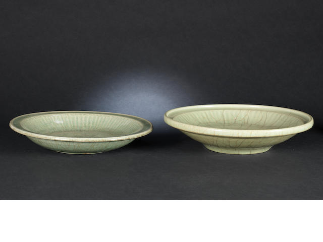 two crackled Celadon dishes, 14th C