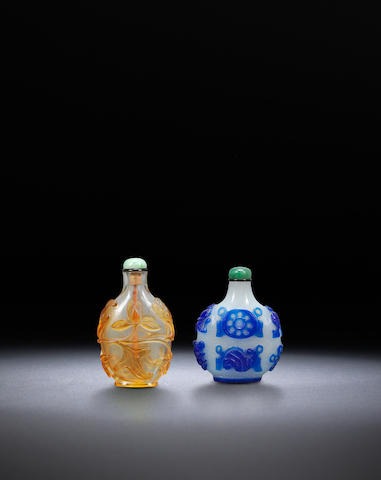 Two overlay glass snuff bottles Qing dynasty