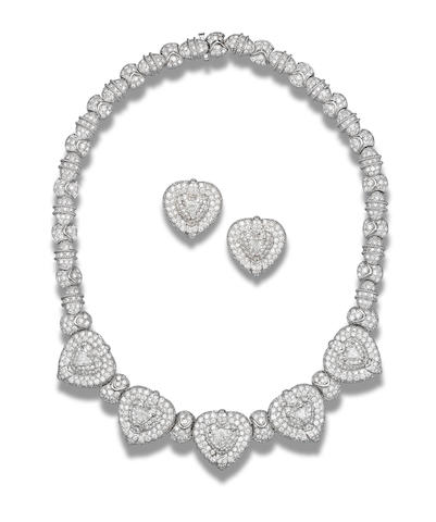 A diamond necklace and earring suite