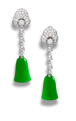 A pair of jadeite pendant earrings