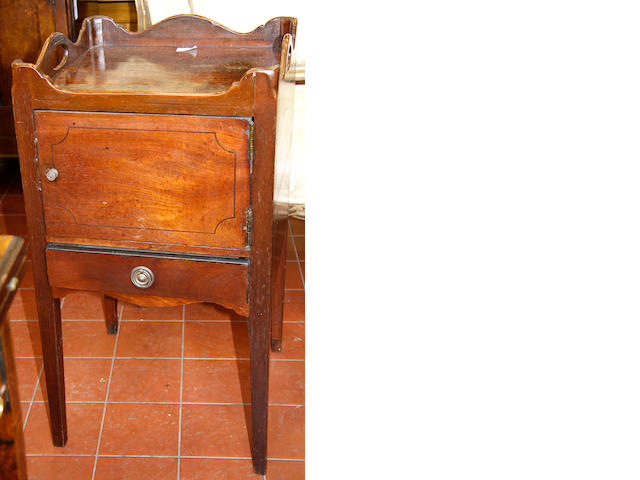 A George III mahogany tray-top commode