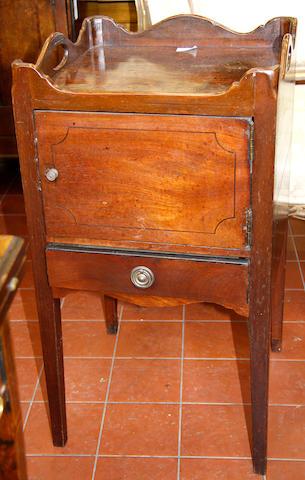 A George III mahogany tray-top commode
