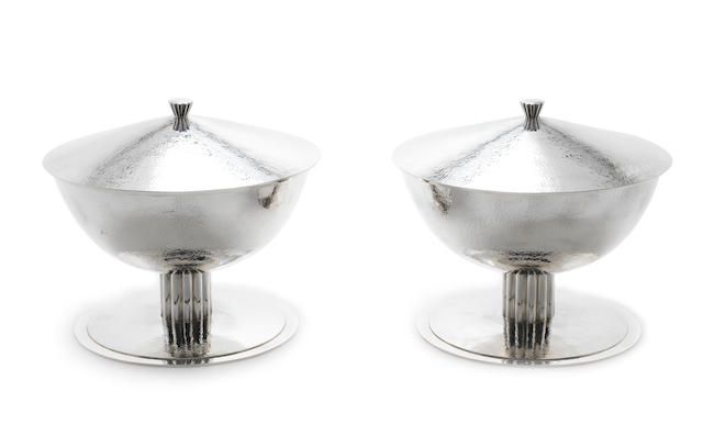 A pair of Continental covered bowls Maker's mark EP in an oval punch and stamped .925, also incuse number 324, covers unmarked