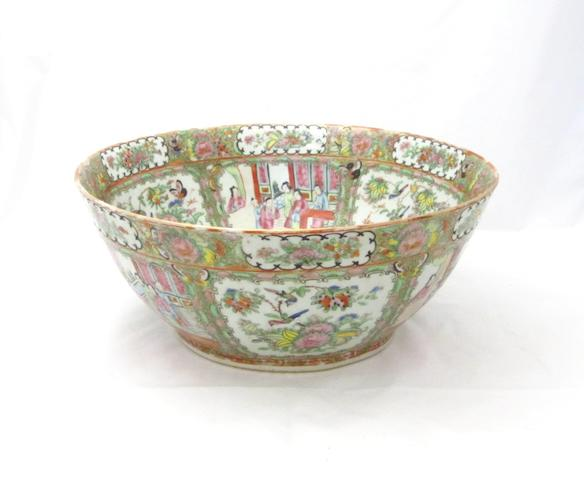 A large Canton bowl Late Qing