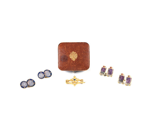 A pair of gold mounted, enamelled and jewelled cufflinksGN, ya l