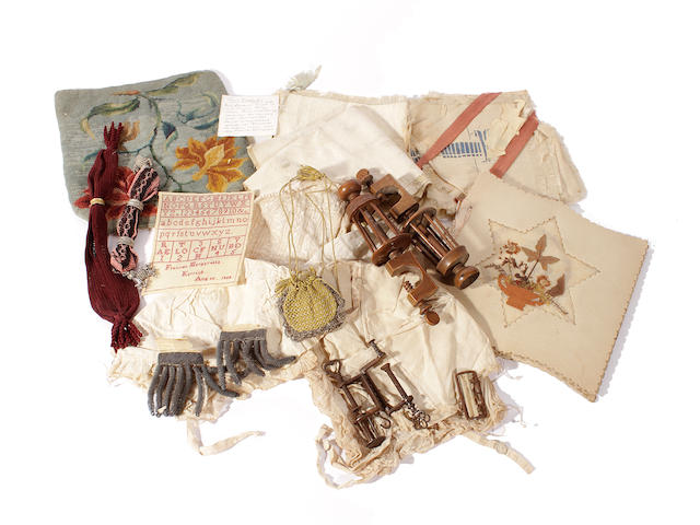 A mixed group of needlework items