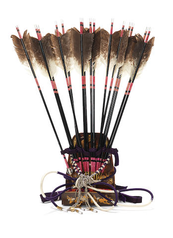 A set of ebira (arrow-case) and fifteen ya (arrows) Taisho Period