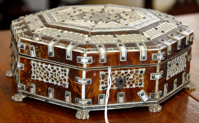 An Indian Vizagapatum style tortoiseshell, ivory and bone octagonal trinket box late 19th/early 20th Century