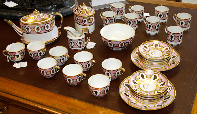 A Coalport 'Old Oval' tea and coffee set circa 1805