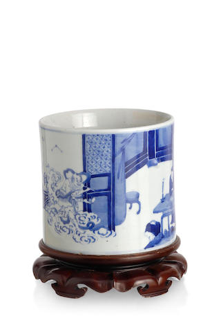 A Chinese transitional-style blue-and-white brush pot, bitong