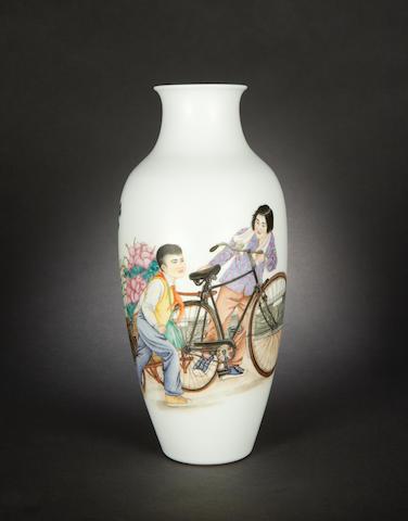 A famille rose oviform vase Jingdezhen four-character mark