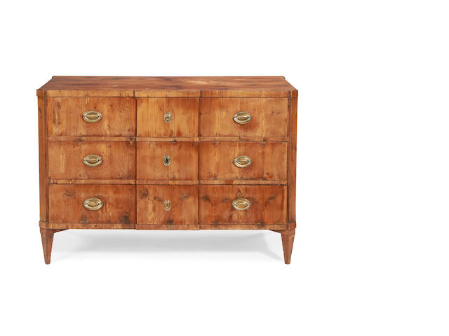 A German late 18th/early 19th century yew wood commode