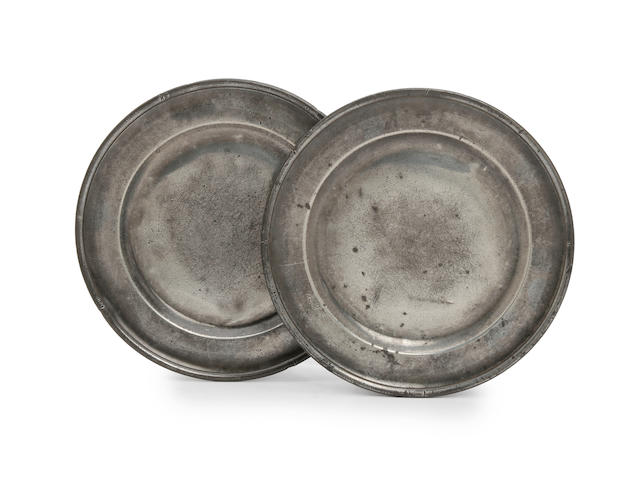 A pair of Devon early 18th Century single reeded plates