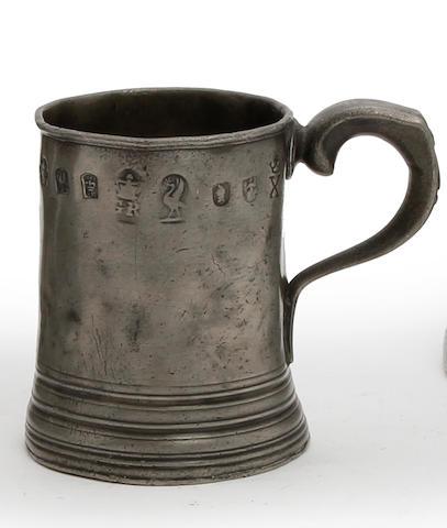 A Liverpool half-pint mug, circa 1820-30