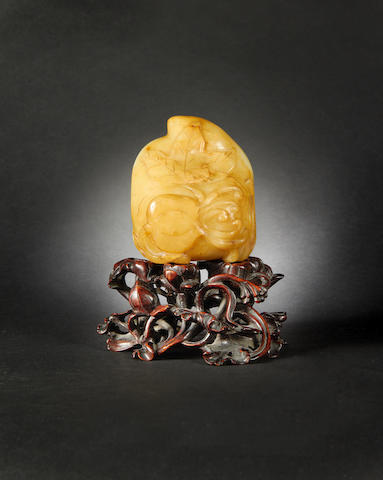 A hardstone 'sanduo' group Qing Dynasty