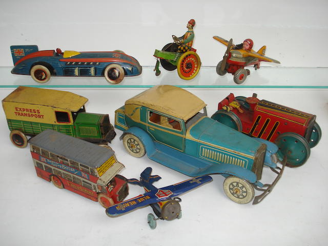 Tinplate c/w Cabriolet and other toys, probably Tipp & Co late 1930s lot