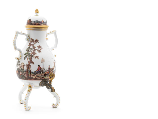 A Meissen tea kettle and cover