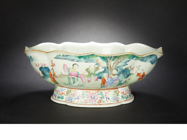 A famille rose bowl Jiaqing six-character mark